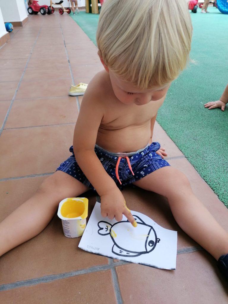 Pintando con yogures 😋